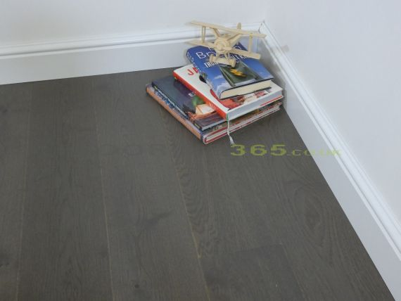 Barnworth Engineered Autumn Grey Oak Brushed and Matt Lacquered Click Lok 180mm x 14/3mm Wood Flooring