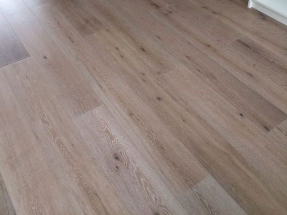 Fyfield Engineered Smoked Oak Brushed and White Lacquered Click Lok 189mm x 15/4mm Wood Flooring (Wooden Flooring)