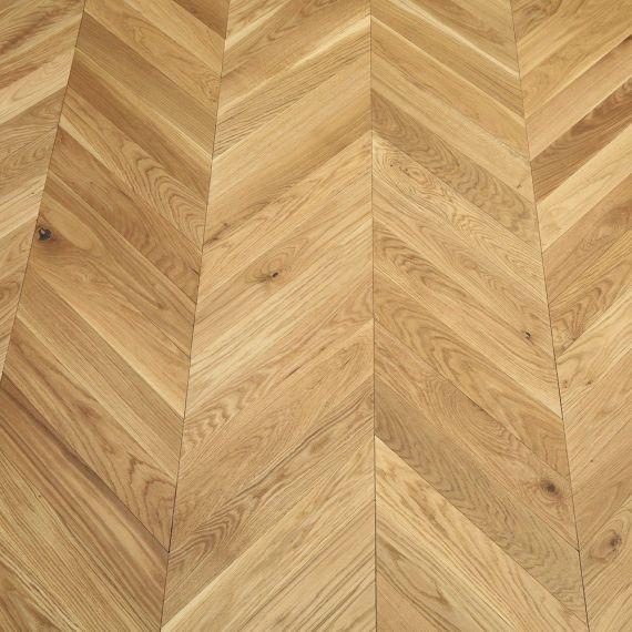Sawbury Elite Engineered Natural Oak Brushed and Oiled 90mm x 18/4 Chevron Wood Flooring (Wooden Flooring)