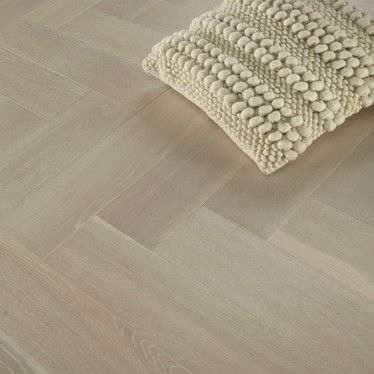 Sawbury Elite Engineered Whitewash Oak Brushed and Oiled Click Lok 150mm x 14/3mm Parquet Wood Flooring