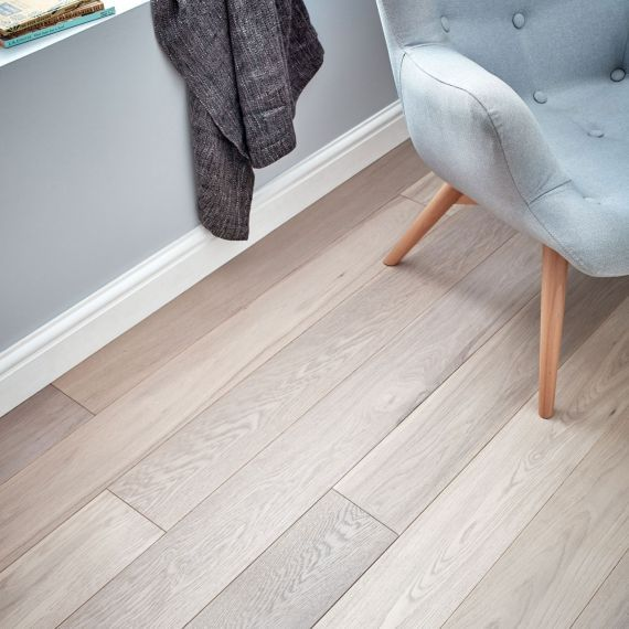 Fyfield Elite Engineered Light Smoke, Handscraped and White Oiled 190mm x 20/6mm Wood Flooring (Wooden Flooring)