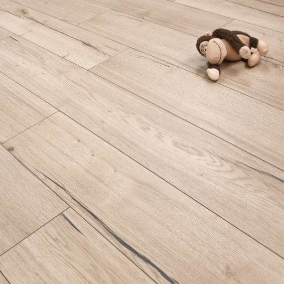 Henley Elite Engineered White Distressed Oak Oiled 190mm x 20/6mm Wood Flooring