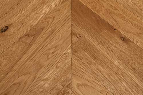 Sawbury Elite Engineered Smoked Brushed and Lacquered 90mm x 18/4 Chevron Wood Flooring