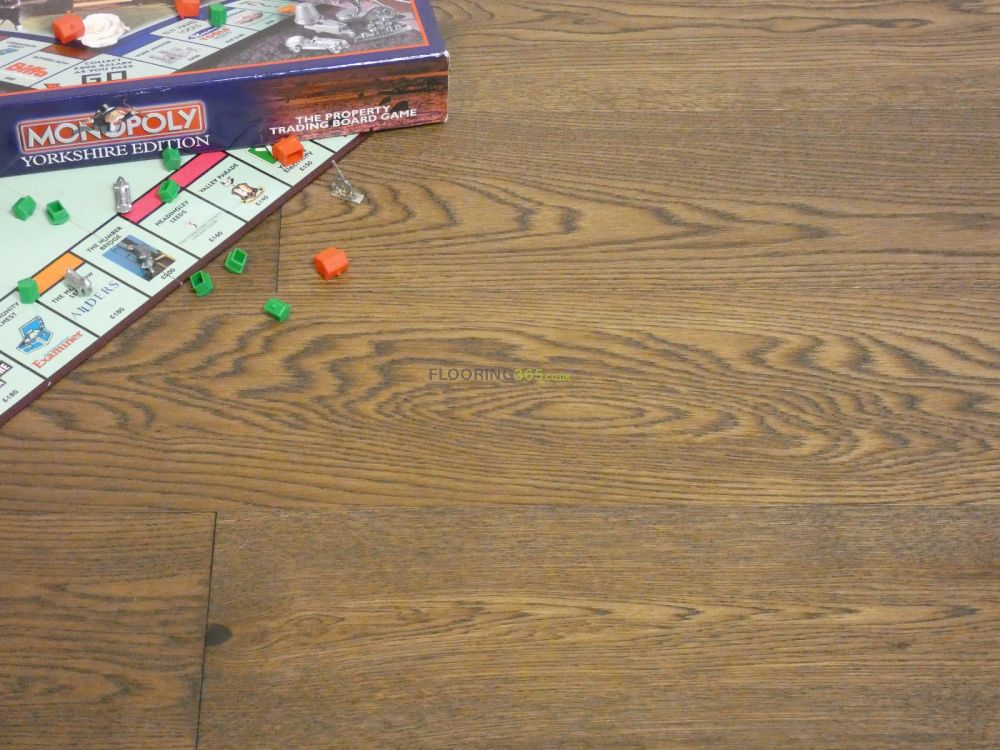 Natural Wood Finish: What Makes This Flooring Options Unique For You