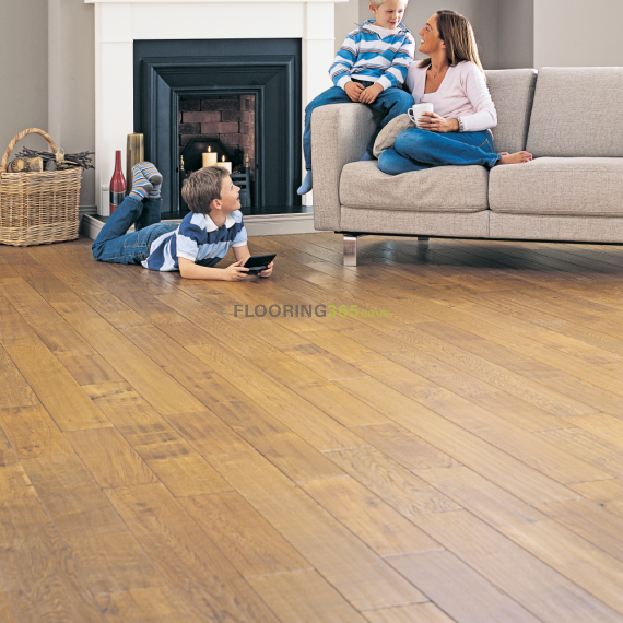 Hillingdon Elite Engineered Golden Oak Lacquered 190mm x 20/6mm Wood Flooring