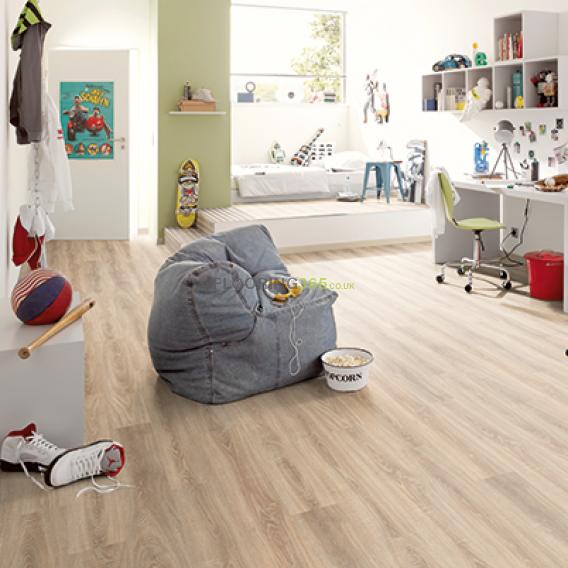 Egger Classic 8mm Bardolino Oak Laminate Flooring - EPL035 (Wooden Flooring)