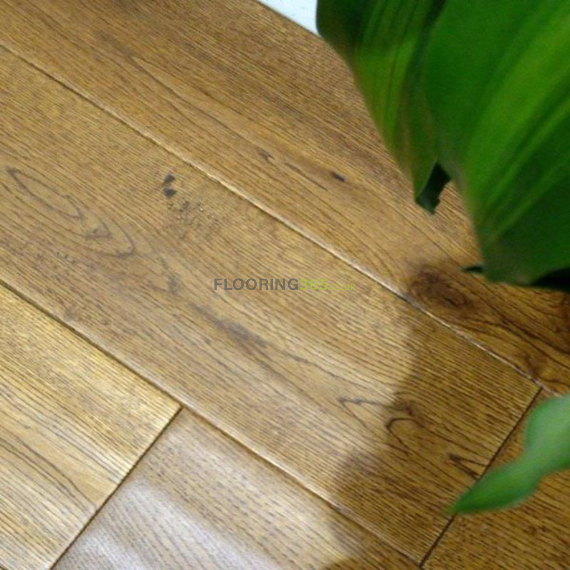 Cressington Engineered Golden Oak Handscraped Click Lok 127mm x 10/2.5mm Wood Flooring