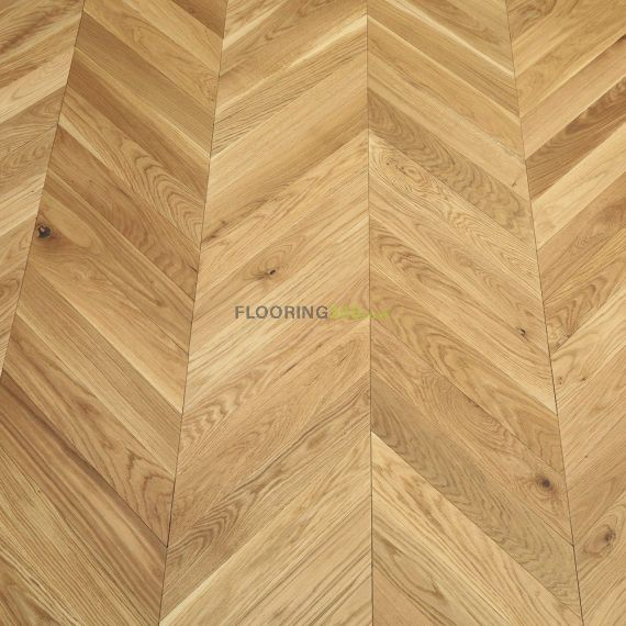 Sawbury Elite Engineered Natural Oak Brushed and Oiled 90mm x 18/4 Chevron Wood Flooring (Wooden Flooring)