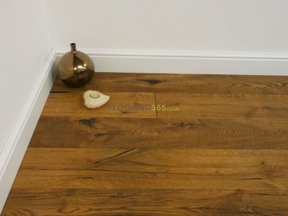 Milano Elite Engineered Golden Oak Oiled and Distressed 220mm x 15/4mm Wood Flooring