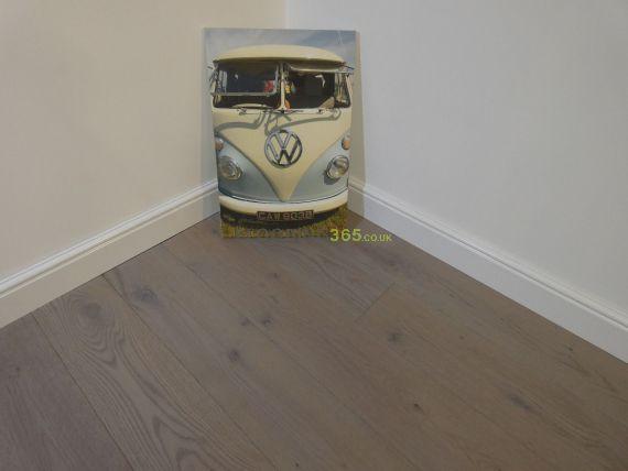 Barnworth Engineered Pebble Grey Oak Brushed & Matt Lacquered Click Lok 189mm x 14/3mm Wood Flooring
