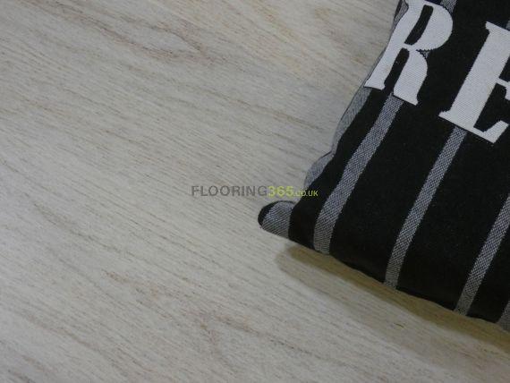 Henley Engineered White Oak Matt Lacquered Click Lok 194mm x 14/3mm Wood Flooring
