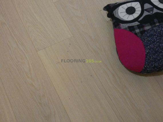 Stockholm Engineered Natural Oak Invisible Lacquered Click Lok 165mm x 15/4mm Wood Flooring