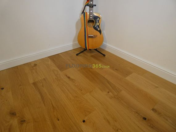 Fyfield Engineered Natural Oak Lacquered Click Lok 190mm x 15/4mm Wood Flooring