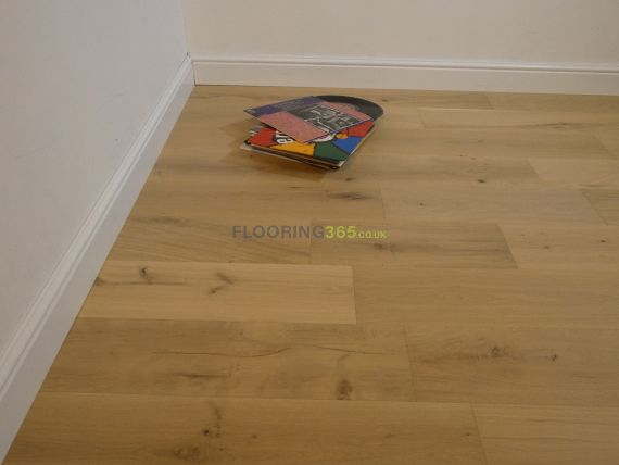 Twickenham Engineered Natural Oak Brushed & Invisible Lacquered Click Lok 190mm x 15/4mm Wood Flooring