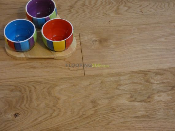 Cressington Elite Engineered Natural Oak Brushed and Lacquered 150mm x 18/5mm Wood Flooring
