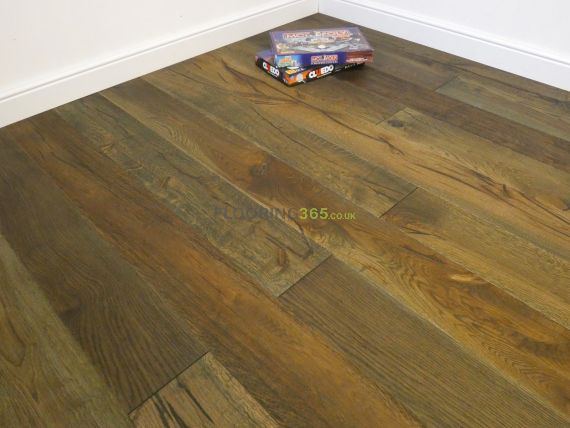 Highgate Engineered Golden Smoked Oak Oiled & Distressed 190mm x 15/4mm Wood Flooring