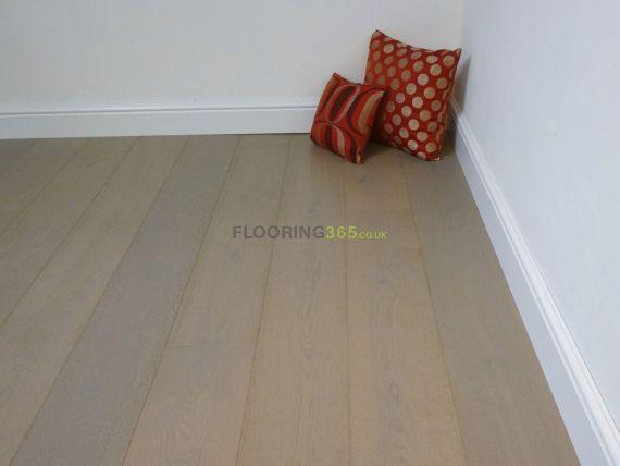 Stockholm Engineered Grey Oak Brushed and Matt Lacquered Click Lok 189mm x 14/3mm Wood Flooring (Wooden Flooring)