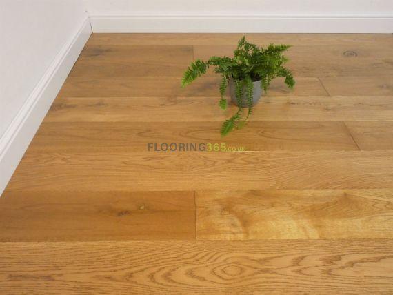 Hillingdon Engineered Golden Oak Handscraped 189mm x 14/3mm Wood Flooring