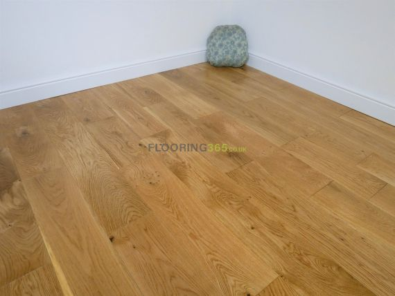 Highgate Solid Natural Oak Lacquered 180mm X 18mm Wood Flooring