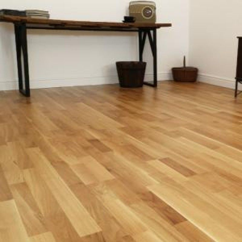Hillingdon Engineered Natural Oak Lacquered Click Lok 195mm x 7.2mm Wood Flooring